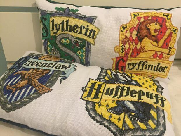 harry potter crest pillows cross stitch